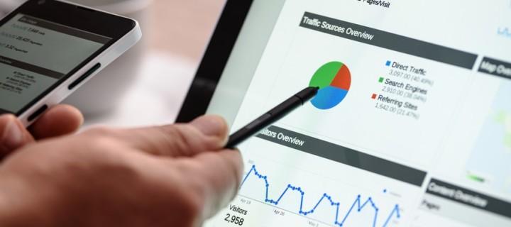 Jaka jest różnica pomiędzy marketingiem i informacją handlową i jakie są praktyczne konsekwencje z tym związane?